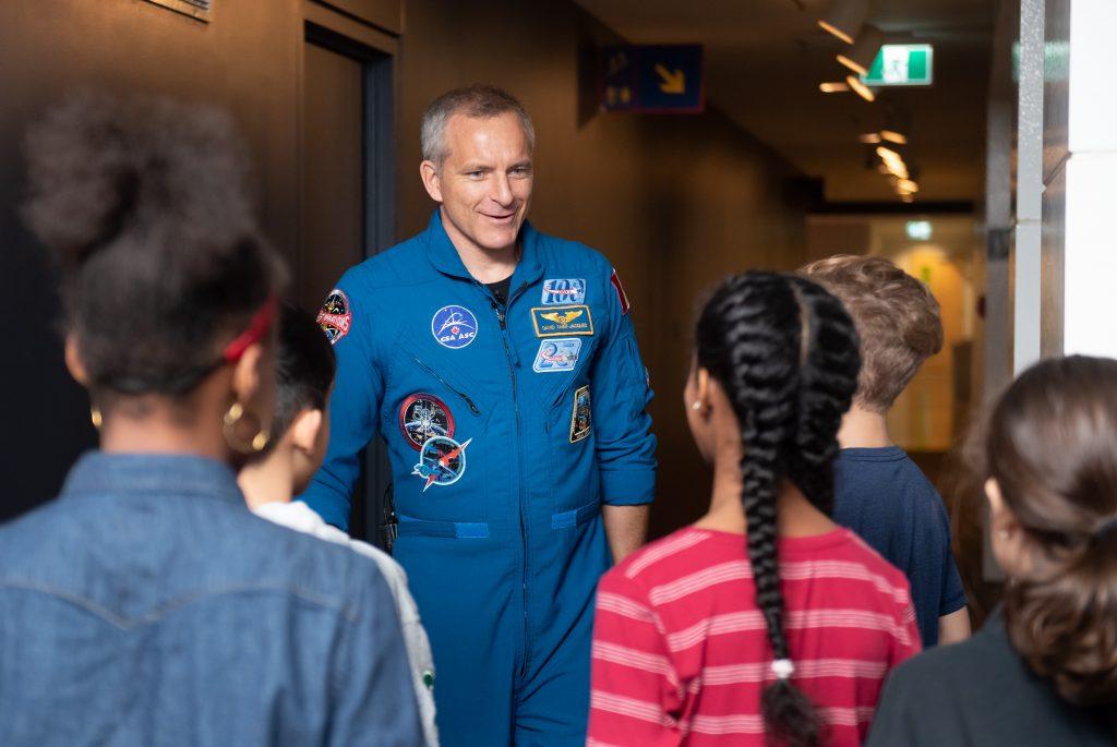 Astronaut David Saint-Jacques meets with children